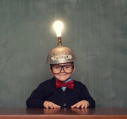 Suiter Swantz Startup Kid Light bulb hat